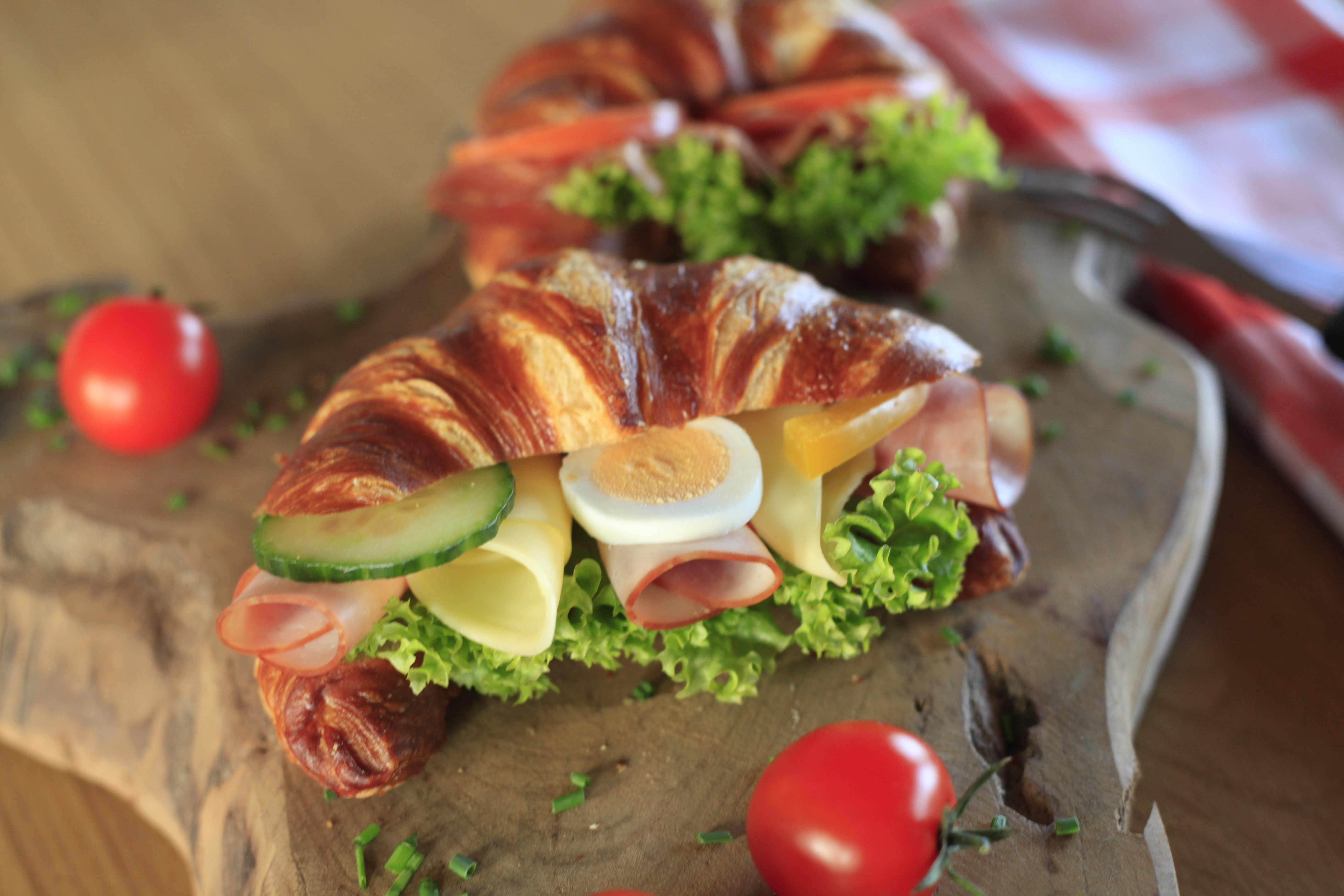 Gefülltes Croissant